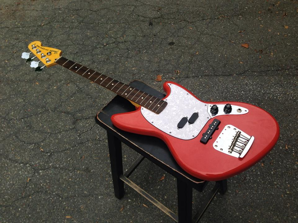 fender jag stang bass www imgkid com the image kid has it Fender Kurt Cobain Fender Kurt Cobain